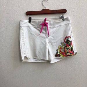 ATHLETA white paisley board shorts